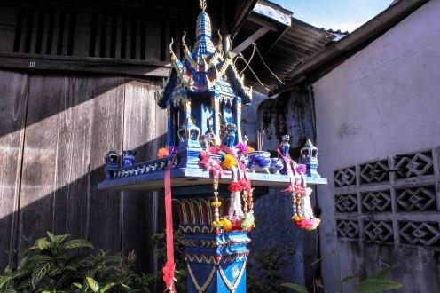 blue-temple-ban-tai-thailand_