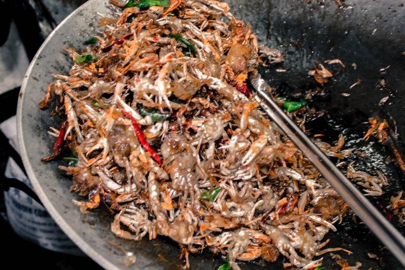 chili-crabs-amphawa-thailand