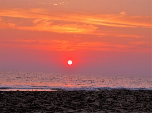 Goodbye Sun, Varkala Beach, India