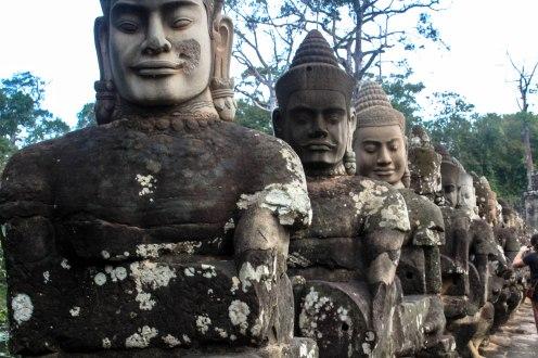 many-faces-angkor-wat-cambodia_
