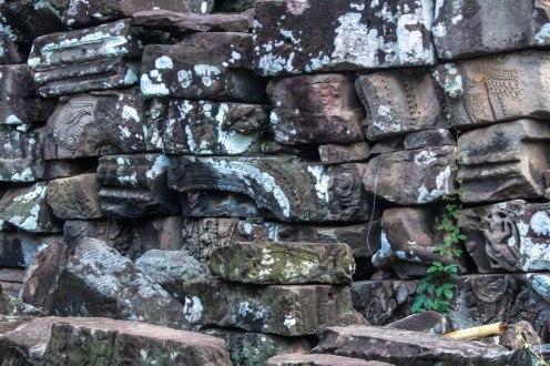 many-pieces-angkor-wat