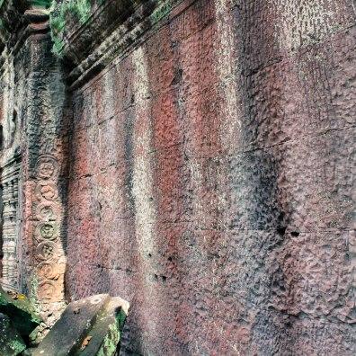 red-walls-angkor-wat_