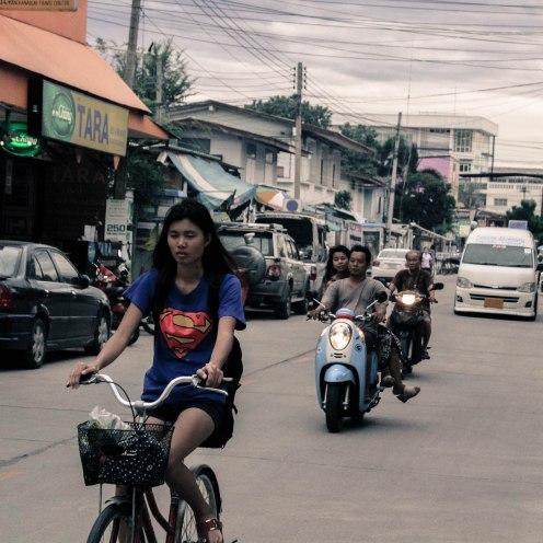 superwoman-ban-tai-thailand_-copy