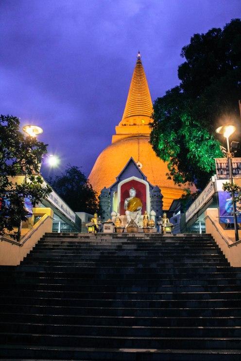 Yazz, Phra Pathom Chedi, BKK