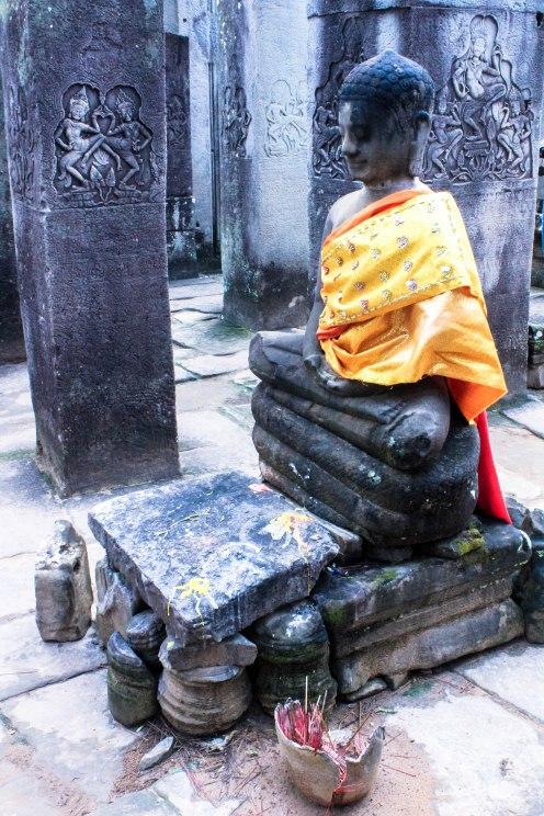 buddha-dancers-angkor-wat-cambodia