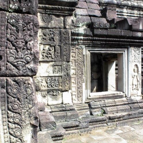 engraved-angkor-wat_