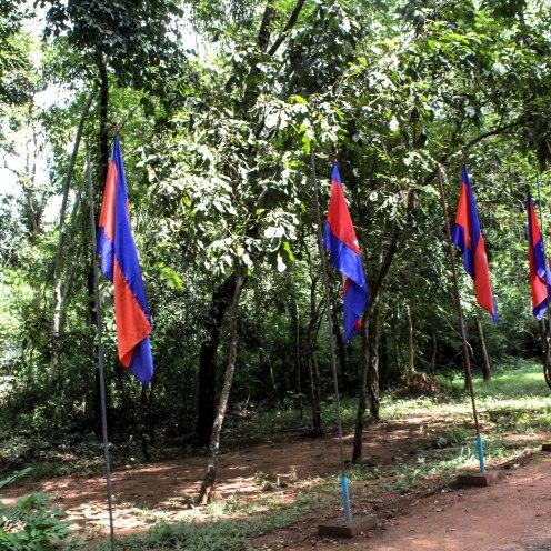 flags-angkor-wat_