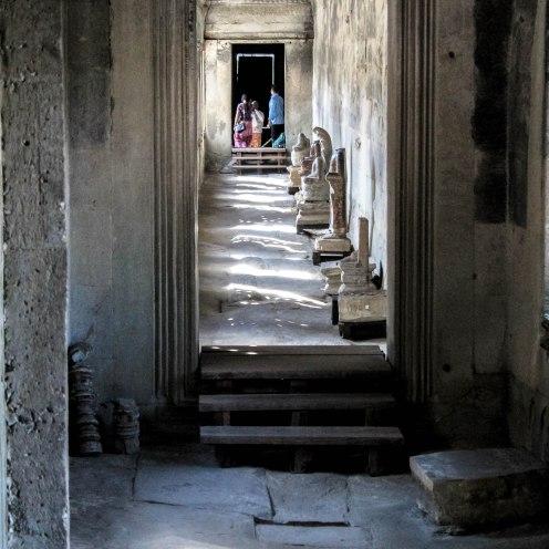 my-hallway-angkor-wat_