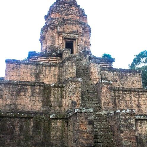 painful-angkor-wat-cambodia