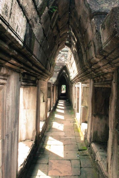under-thwe-way-angkor-wat